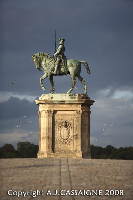 60-Chantilly statues 3